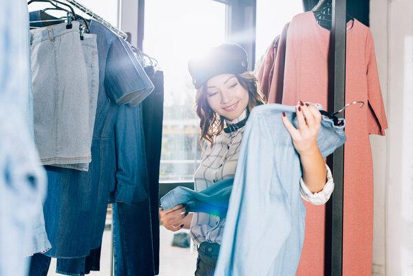 Kom överens hur kläderna ska överlämnas, samt hur betalningen ska ske.